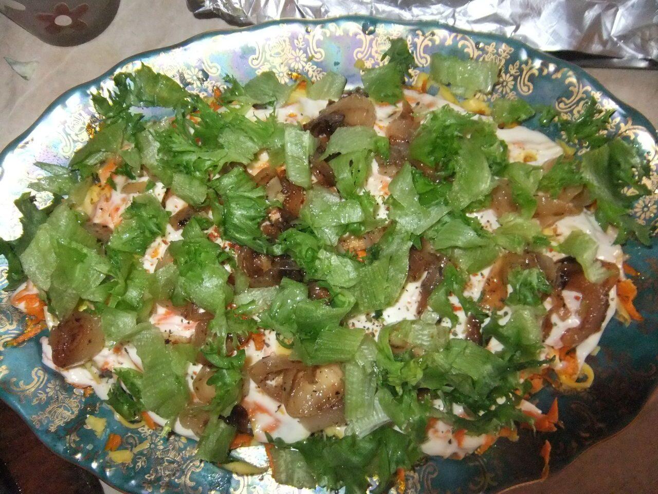 Салат из куриных сердечек с морковью